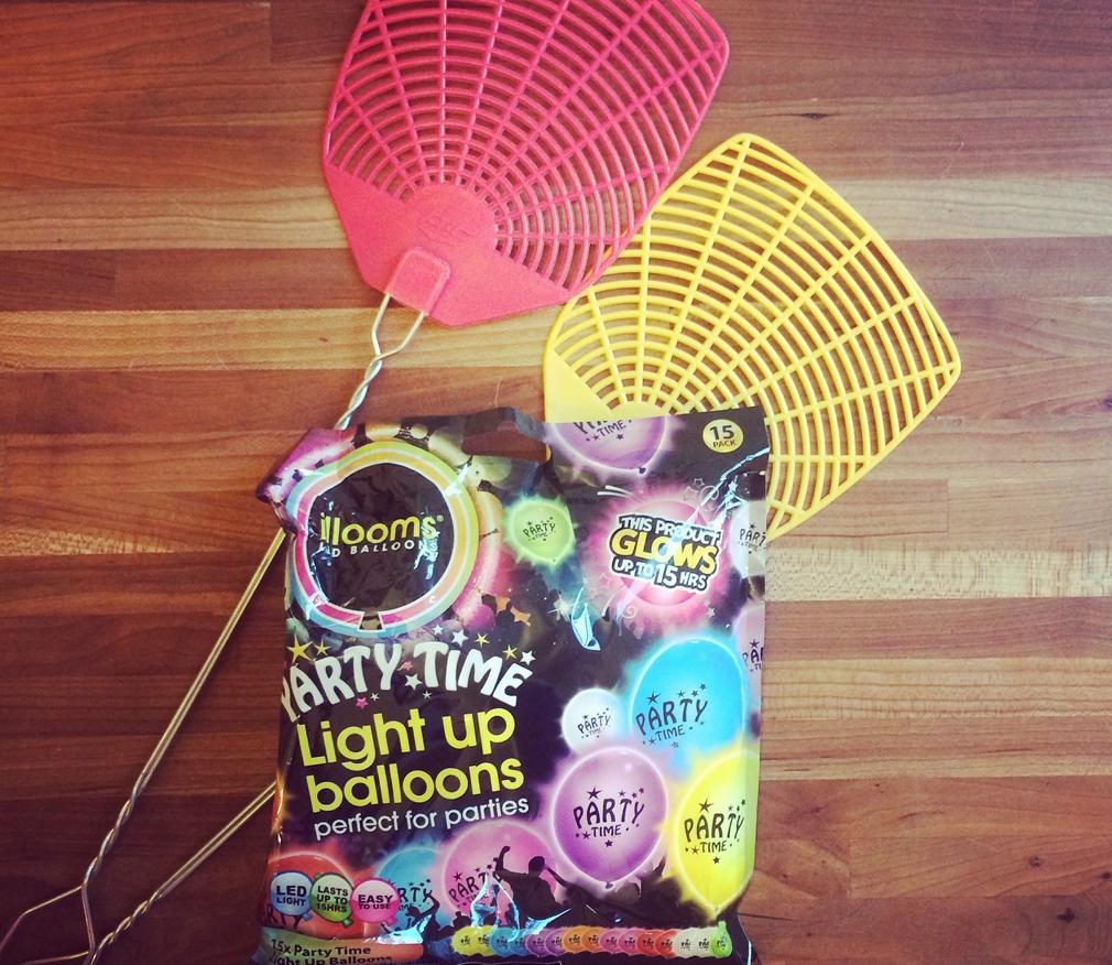 Indoor activities for kids Balloon Tennis