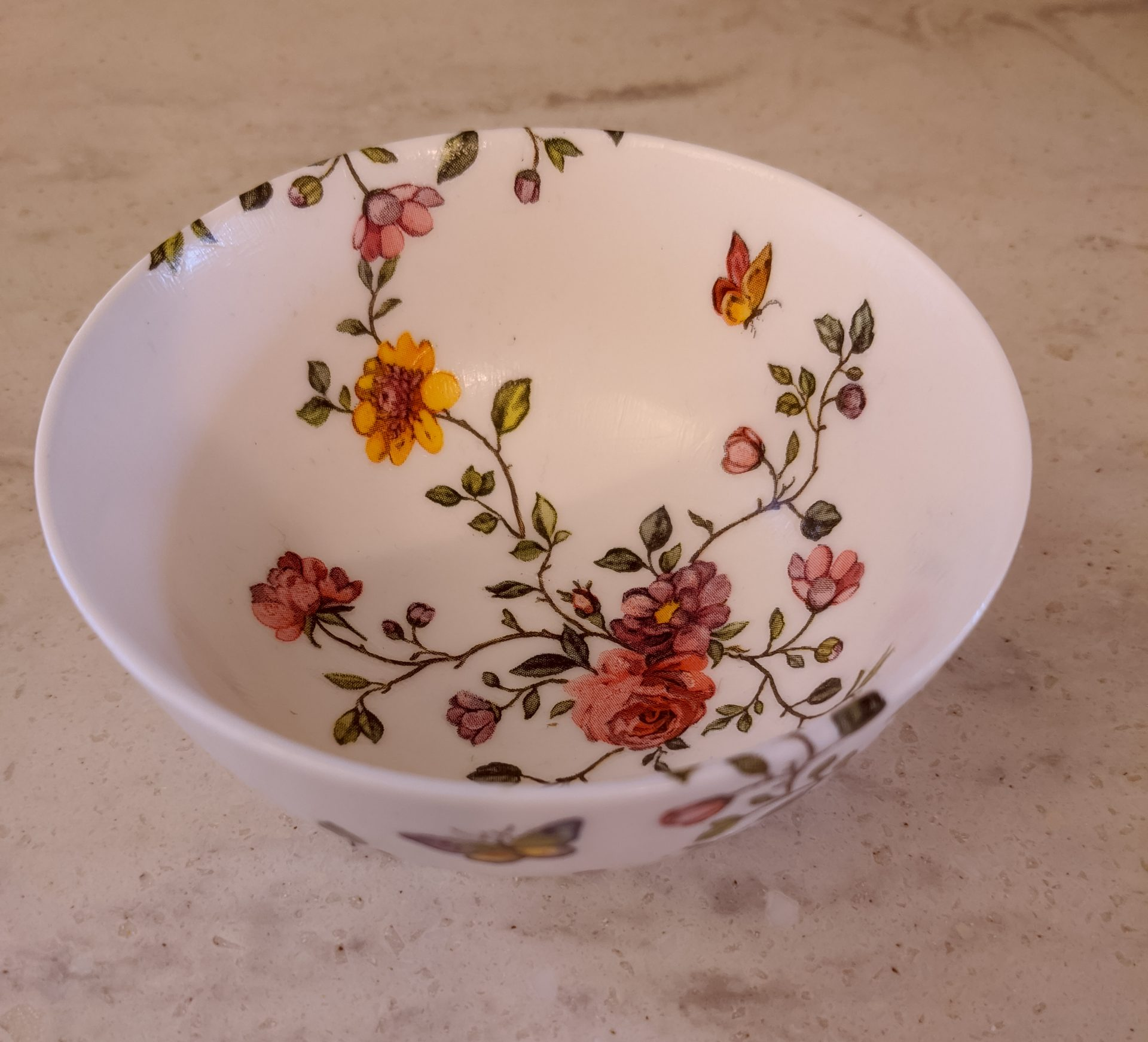 DIY Porcelain Bowl Modge Podge with Napkins themamavillage.com